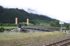 Hollersbach-005-Berglandschap-met-brug-over-rivier