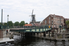 Haarlem-1010-Catharijnebrug-draait-dicht
