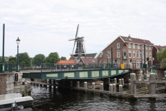 Haarlem-1011-Catharijnebrug-draait-dicht
