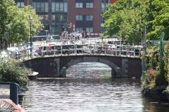 Haarlem-1180-Brug-met-veel-gestalde-fietsen