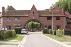 Tuinwijk-Eisden-043-Onderdoorgang-met-pleintje