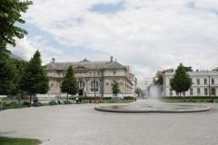 Grenoble-093-Fontein-museum-en-bibliotheek-op-Place-Verdun