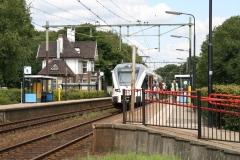 Ransdaal-274-Station-met-in-en-uitstappende-passagiers