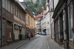 Harz-Blankenburg-013-Baüersche-Strasse-met-zicht-op-kasteel