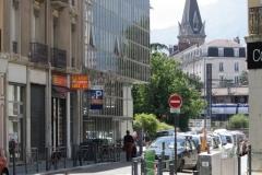 Grenoble-054-Straat-met-kerktoren