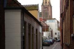 Groningen-237-Lutkenieuw-straatje-met-zicht-op-der-AA-toren