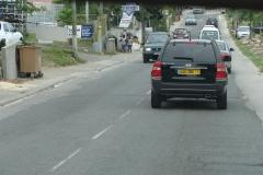 St.-Maarten-0813-Zicht-op-de-weg-vanaf-de-achterbank