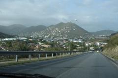 St.-Maarten-1032-Een-van-de-weinige-goede-wegen