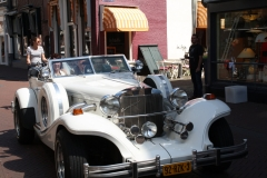 Haarlem-049-Oldtimer-met-bruidspaar