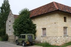 Ransdaal-Termaar-011-Oude-boerderij-met-groene-jeep