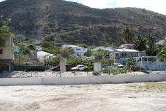 St.-Maarten-0671-Huizen-met-autowrakken