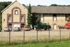 Trintelen-Eys-071-Autos-op-boerenerf