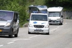 Alpe-dHuez-062-Ziekenauto