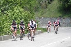 Alpe-dHuez-044-Trainende-fietsers