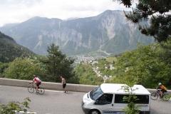 Alpe-dHuez-073-Trainende-fietsers-en-lopers