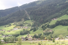 Bramberg-006-Berglandschap-met-kabelbaan
