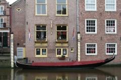 Alkmaar-442-Gondel-bij-winkel-Jeroen-Besselingh