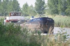 Bunde-060-Vrachtschip-Eemland-op-Julianakanaal