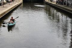 Den-Haag-283-Gracht-met-kano