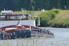 Geulle-057a-Vrachtboot-met-zand