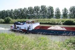 Geulle-058-Vrachtboot-met-zand