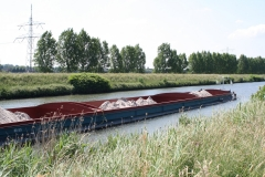 Geulle-059-Vrachtboot-met-zand
