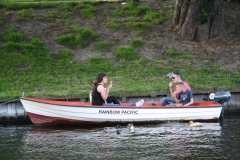 Haarlem-354-IJsje-eten-in-de-boot