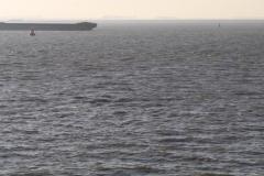 Haven-bij-de-Schelde-014-Voorbijvarend-schip-en-boei