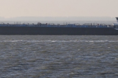 Haven-bij-de-Schelde-032-Voorbijvarend-schip-Werkendam