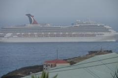 St.-Maarten-1193-Vertrekkend-cruiseschip