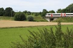 Ransdaal-078-Vergezicht-met-passerende-trein