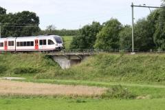 Ransdaal-094-Vergezicht-met-passerende-trein