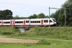 Ransdaal-097-Vergezicht-met-passerende-trein