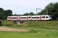 Ransdaal-098-Vergezicht-met-passerende-trein