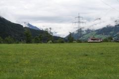 Hollersbach-007-Berglandschap-met-trein-Pinzgauer-Lokalbahn