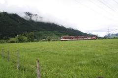 Hollersbach-009-Berglandschap-met-trein-Pinzgauer-Lokalbahn