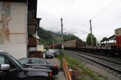 Zell-am-See-070-Spoorbaan-met-goederentrein
