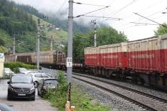 Zell-am-See-071-Spoorbaan-met-goederentrein