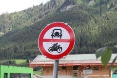 Mühlbach-003-Verkeersbord-verboden-voor-motorvoertuigen