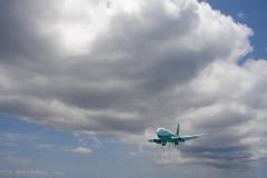 St.-Maarten-0714-Landend-Vliegtuig