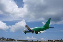 St.-Maarten-0715-Landend-Vliegtuig