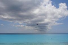 St.-Maarten-0718-Landend-Vliegtuig