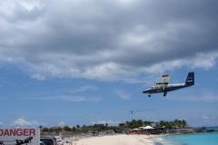St.-Maarten-0720-Landend-Vliegtuig