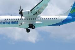 St.-Maarten-0735-Landend-Vliegtuig