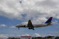 St.-Maarten-0739-Landend-Vliegtuig