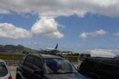St.-Maarten-0740-Landend-Vliegtuig