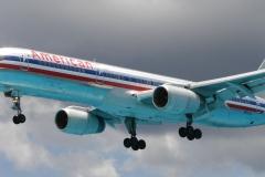 St.-Maarten-0741-Landend-Vliegtuig