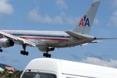 St.-Maarten-0742-Landend-Vliegtuig