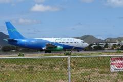 St.-Maarten-0745-Taxiënd-vliegtuig