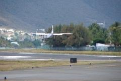 St.-Maarten-0747-Landen-vliegtuig